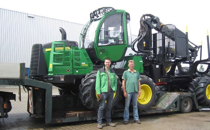 Second John Deere 1210E for the Kerstens firm